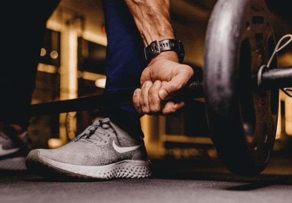 Cardio vs. weight training – the everlasting battle of determining which exercise is best rages on. The reality of the situation, however, is that you can't expect to see killer results without incorporating aspects of both into your workout routine.