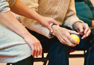 How to Know It's Time Your Parents Need an Assisted Living Facility